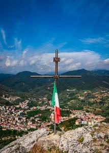A un cucchiaio dal mondo - Croce votiva sul Monte Nebulano - Montecorvino Rovella (SA) - All rights reserved