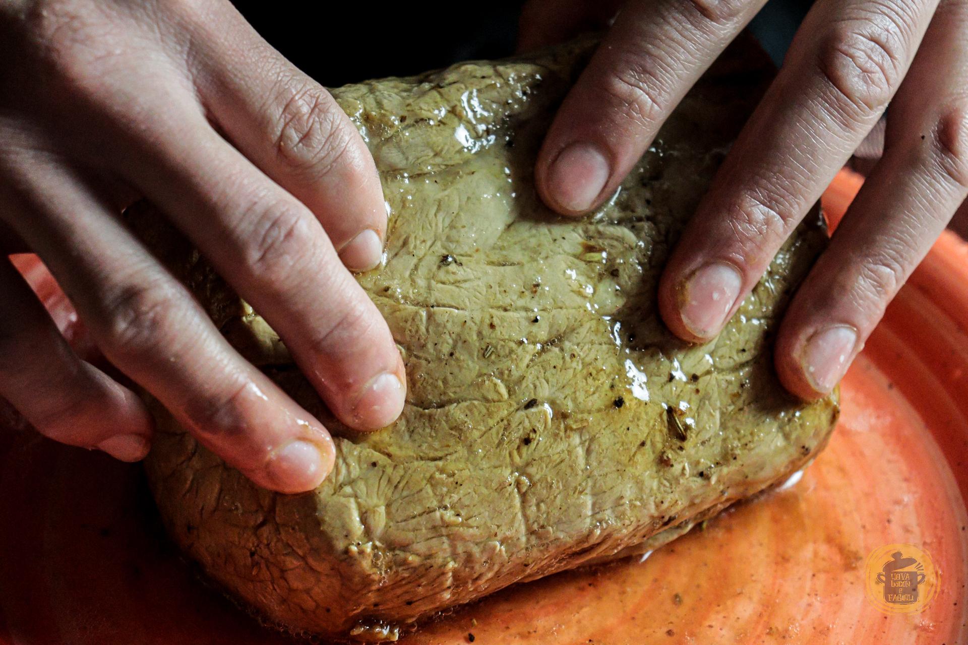 Uova, bacon e fagioli - Arrosto di maiale in crosta di mandorle - All rights reserved