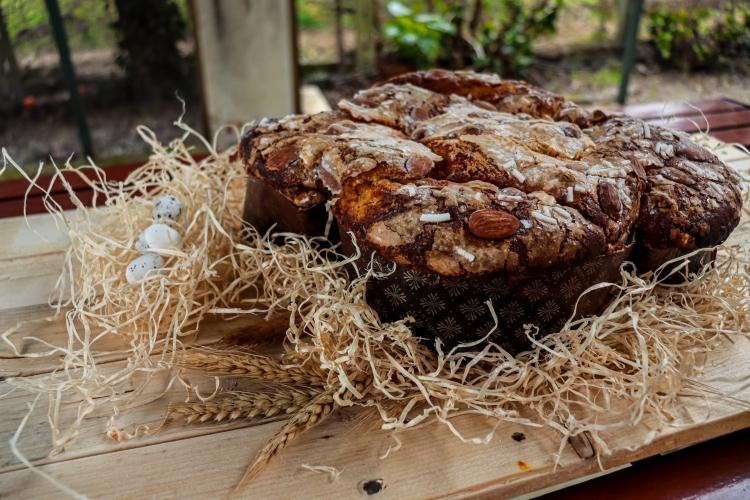 Uova, bacon e fagioli - Colomba pasquale - All right reserved